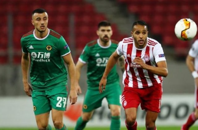 El-Arabi contre Saiss