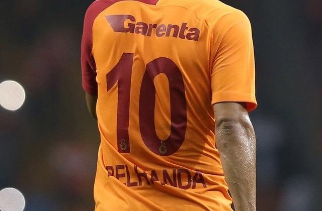 Younes Belhanda refuse un transfert pour le n° 10